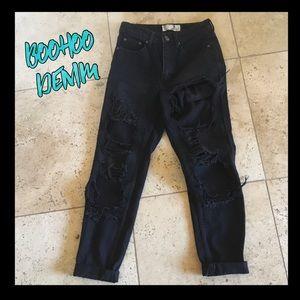 💜💜BooHoo Denim High waisted distressed jeans.